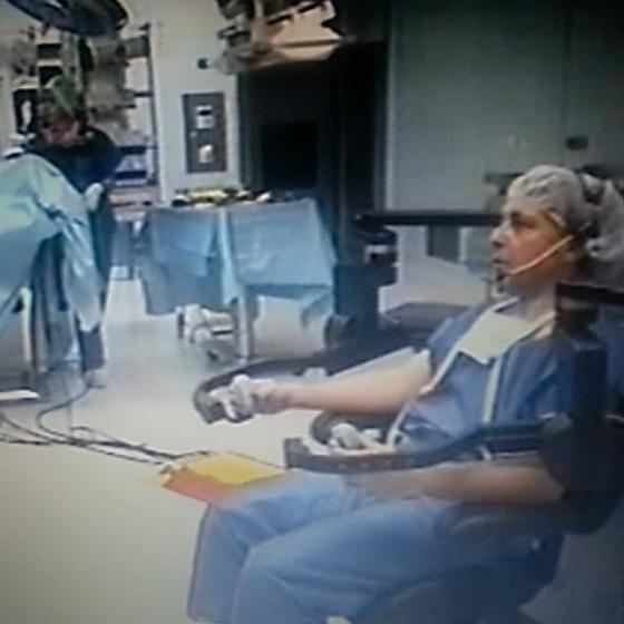 Prof. Senner cu robotul Zeus în anul 2000